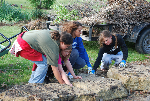 Students Prepare for Upcoming Earth Day