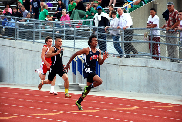 Boy's track makes history at Seaman Relays