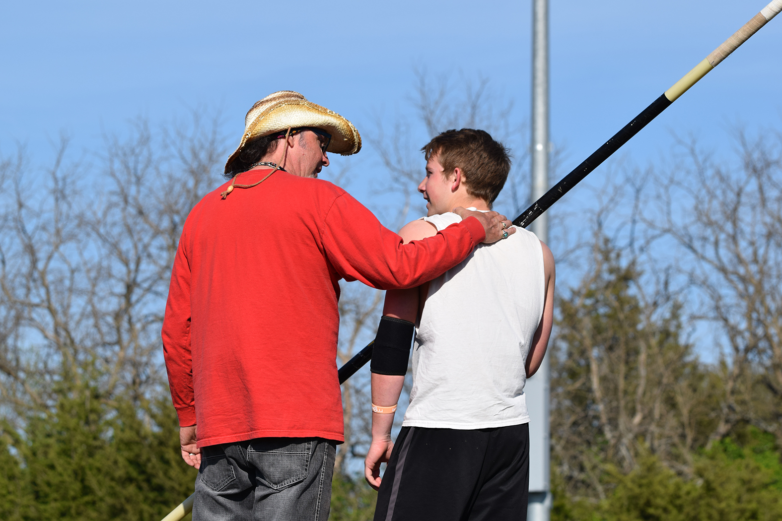 Pole vault coach shares expertise with athletes