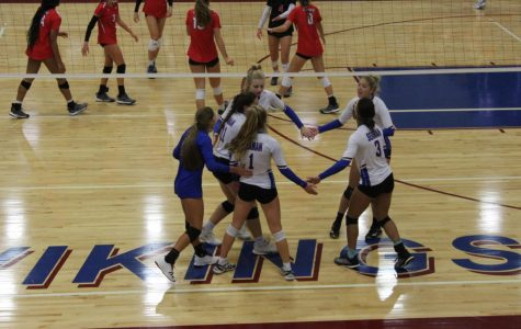 Viking volleyball hosts home tournament